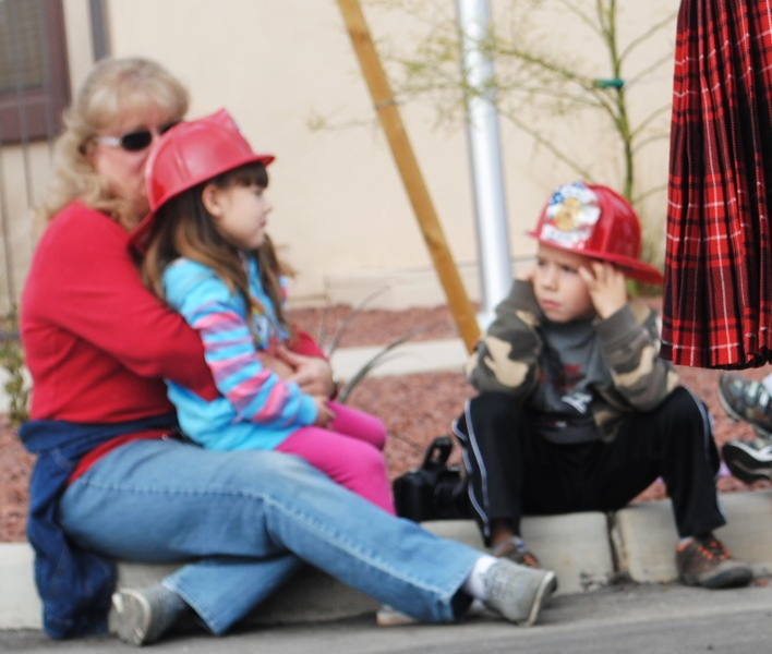 mom kids on curb